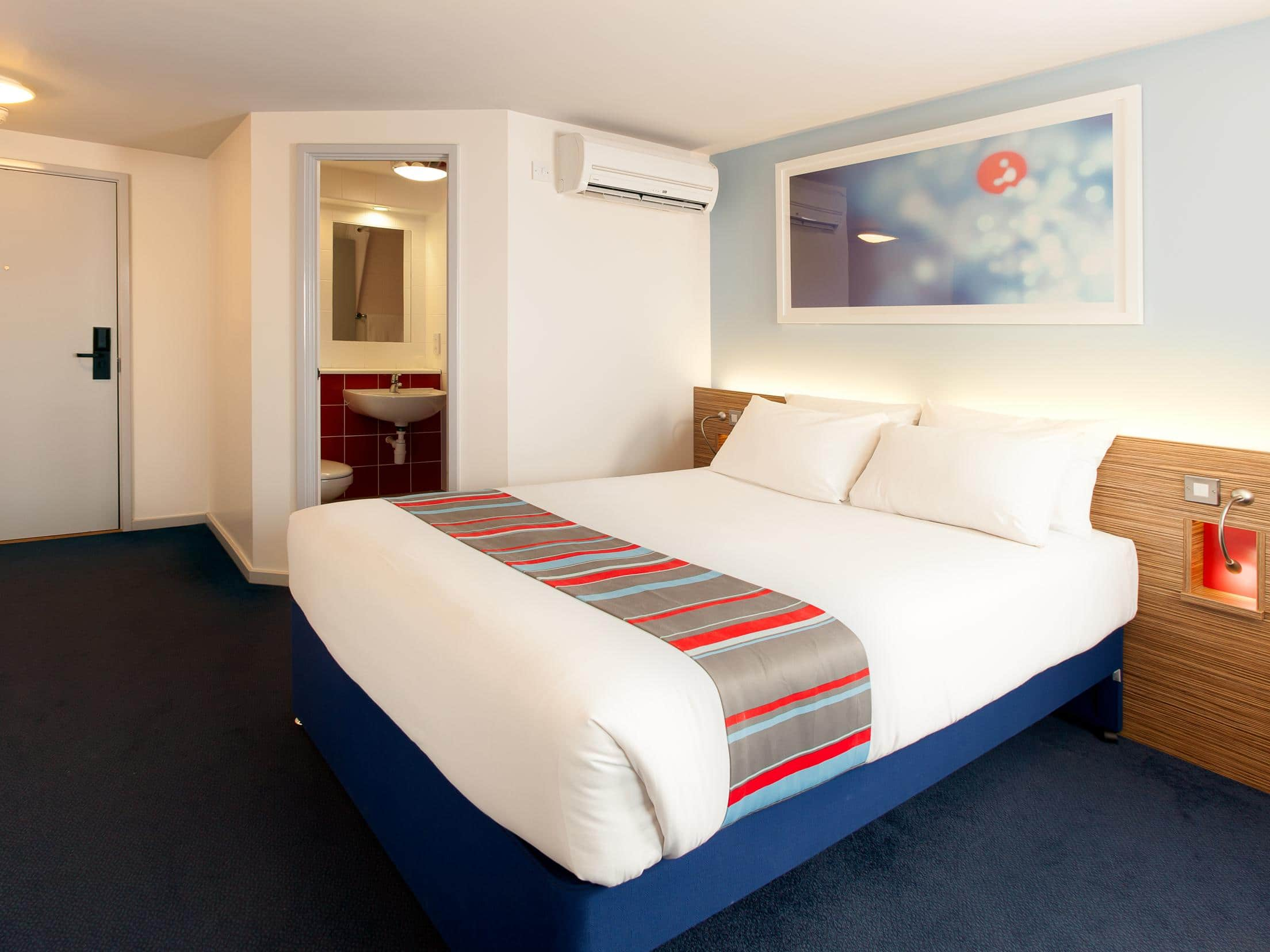 Travelodge Business - Room
